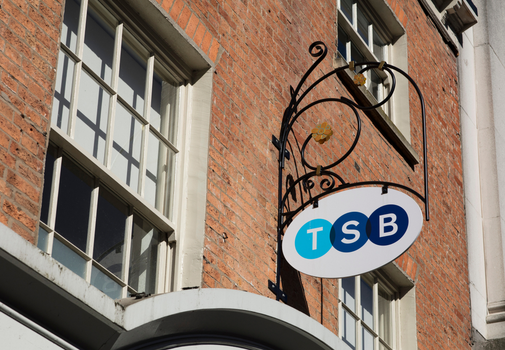 22,000 customers leave TSB amid IT meltdown - The Investment Observer